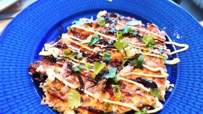 Okonomiyaki – japansk kålpannkaka